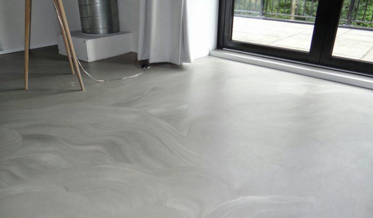 http://www.lifetimewonen.nl/wp-content/uploads/2017/05/betonlook-gietvloer-752x440.jpg