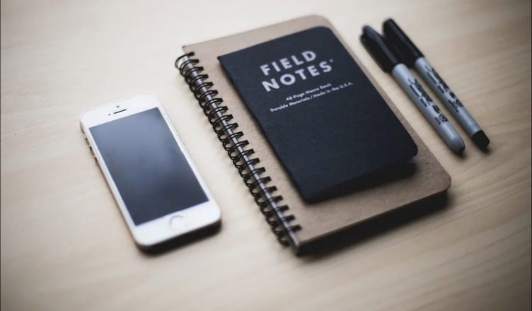 Gadgets en bureaus die ieder-bureau moet hebben
